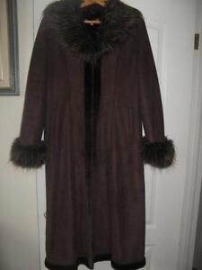 ❤BEAUTIFUL LONG COAT BROWN❤(VERY NICE TO ANY PARTY)