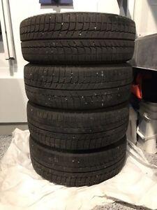 75+% TREAD 205 55 R16 Michelin X-Ice (xi2) Winter Tires