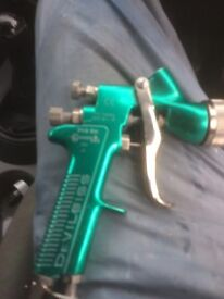 Devilbliss pri gravity spray gun green with pot.