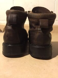Men's Roots Tuff Brown Hiking Boots Size 9.5 London Ontario image 2