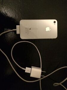 great condition iphone 4S and charger - through koodo mobile