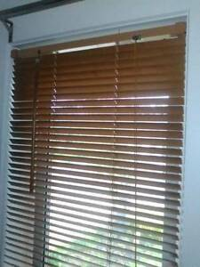 Timber Venetian Blind 60cm x 210cm Pakenham Cardinia Area Preview
