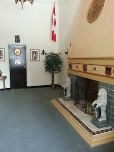 Great Location!Beautiful Free Wifi 1 BDR on Ouellette Bus Route