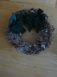 WELL-MADE REED WREATH &a PAIR of BOWS for TALENTED CRAFT HANDS