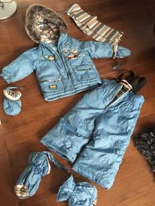 Snow suit 18 month + mittens & boots attach