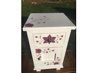 Hand painted cabinet (PAYPAL SCAM ARTISTS NEED NOT APPLY)