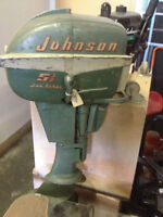 JOHNSON 5.5 HP OUTBOARD OLDER MOTOR WORKS V, GOOD