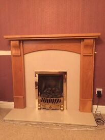 Gas fire with mantle piece