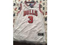 Brand new NBA Basketball Jerseys. Dwyane Wade, Derrick Rose, Chicago Bulls, New York Knicks. Size L