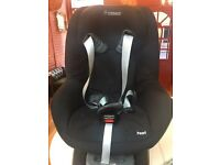 Maxi Cosi Family Fix with Pearl Car Seat