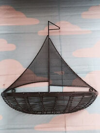 Quality decorative wall mounting mesh boat shelf, immaculate, quick sale at only £10, Costs £45