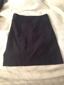 size 6 (fits like 8) black stretchy pencil skirt
