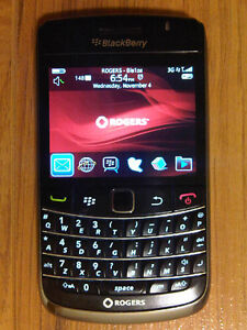 TRES BONNE CONDITION UNLOCKED BLACKBERRY BOLD 9700 ($50).......