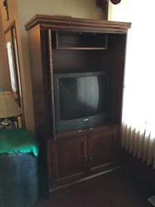 Wood cabinet. Reduced.  London Ontario image 2