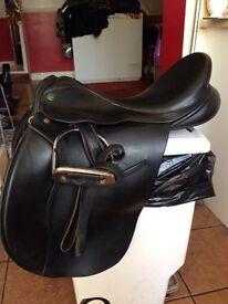 "Ideal saddle 18""sprung tree"
