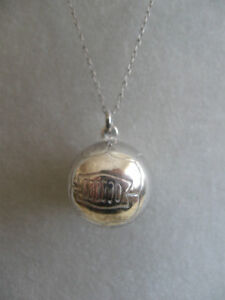 "SPORTY VINTAGE 23"" STERLING SILVER BASKETBALL PENDANT NECKLACE"