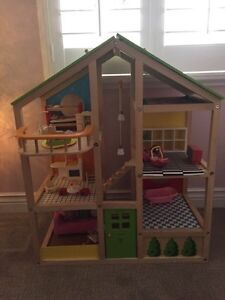 Hape Doll House and accessories  Cambridge Kitchener Area image 1