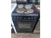 BUSH 50CM SOLID TOP ELECTRIC COOKER IN BLACK.