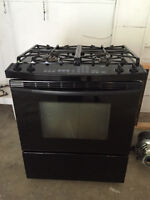 Gas Range/Stove - KitchenAid