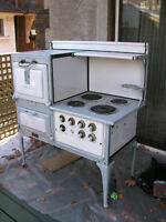 Beautiful 1926 Moffat baked enamel cast iron electric stove