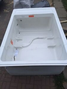 Acrylic 60 inch 1 piece tub and shower