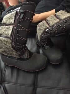 Size 8 ladies/teen girls boots