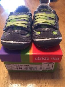 Stride Rite Soft Motion Infant Shoes - Size 3 London Ontario image 4