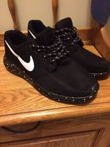 Nike Roshe size 9.5 *New* Kitchener / Waterloo Kitchener Area image 1