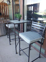 BAR STYLE PATIO SET - LIKE NEW