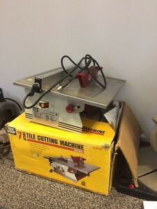 "7"" tile cutting machine in leduc Edmonton Edmonton Area image 1"