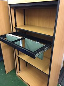Excellent condition office furniture 3x desk 1x file cabinet 4xdrawers