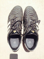 ADIDAS SOCCER SHOES - GOOD CONDITION (SIZE 11)