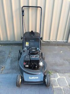 Lawn mower 4 Stroke Briggs & Stratton Starts first go Isaacs Woden Valley Preview