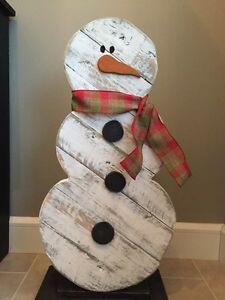 Snowman rustic wood decoration