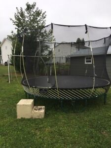Springless Trampoline,kids older,dont use it anymore