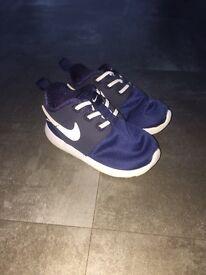 Nike Roshe One Infants in Blue - Size 6.5 (EU 23.5)
