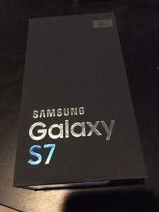 Samsung Galaxy S7 + 3 étuis +  1 screen protector