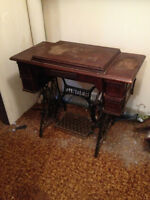 Machine a Coudre Antique ** SINGER ** Antique Sewing Machine
