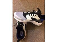BRAND NEW Nike huarache run ultra size 9