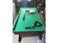 6 foot x 3 foot snooker/pool table