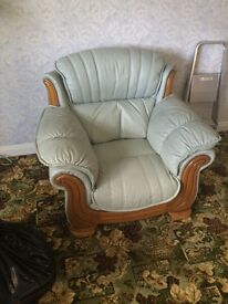 Leather 3 piece suite ..with electric recliner