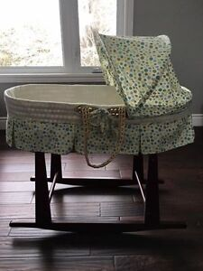 Jolly Jumper Bassinet with stand - gender neutral