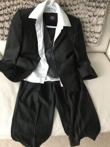 Boy's Suit Size Small