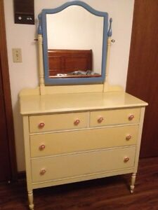 girl antique dresser with mirror