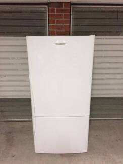 Very good condition Fisher & Paykel 520 liter fridge.CAN DELIVER
