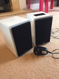SANDSTROM TWIN IPOD /IPHONE SPEAKER DOCK WITH BLUETOOTH CONNECTIVITY £20 ONO