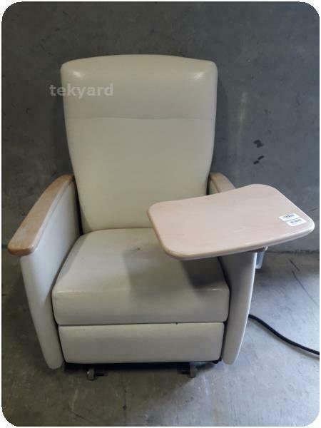 MEDICAL RECLINER CHAIR % (246358)