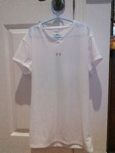 Under Armour white T-shirt - large