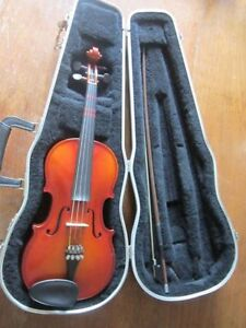 Childrens 52cm Violin, case and bow