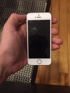 Iphone 5s 16gb gold West Island Greater Montréal image 3